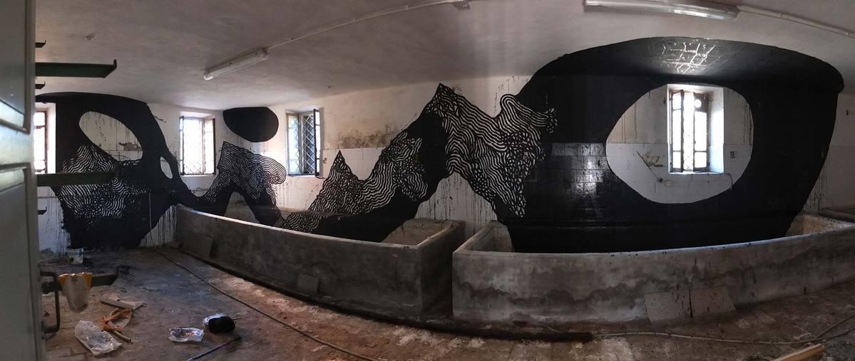 108, peinture murale dans ferme laitière abandonnée